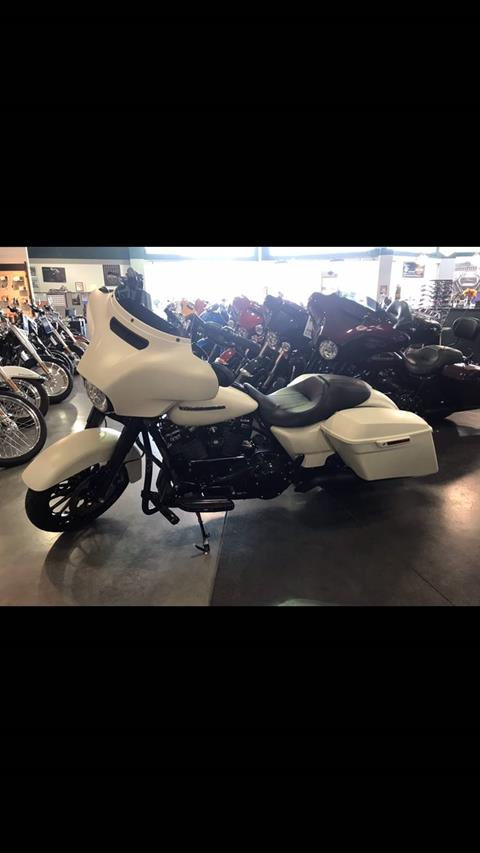 2018 Harley-Davidson Street Glide® Special in Edinburgh, Indiana - Photo 1