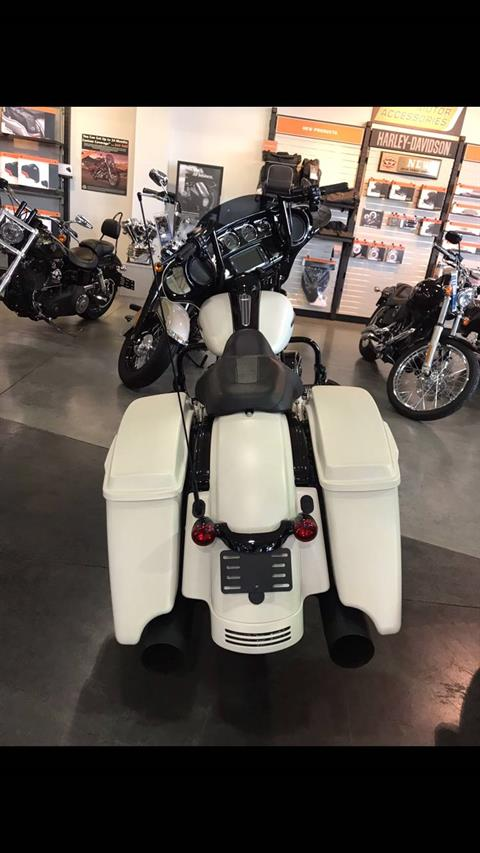 2018 Harley-Davidson Street Glide® Special in Edinburgh, Indiana - Photo 2