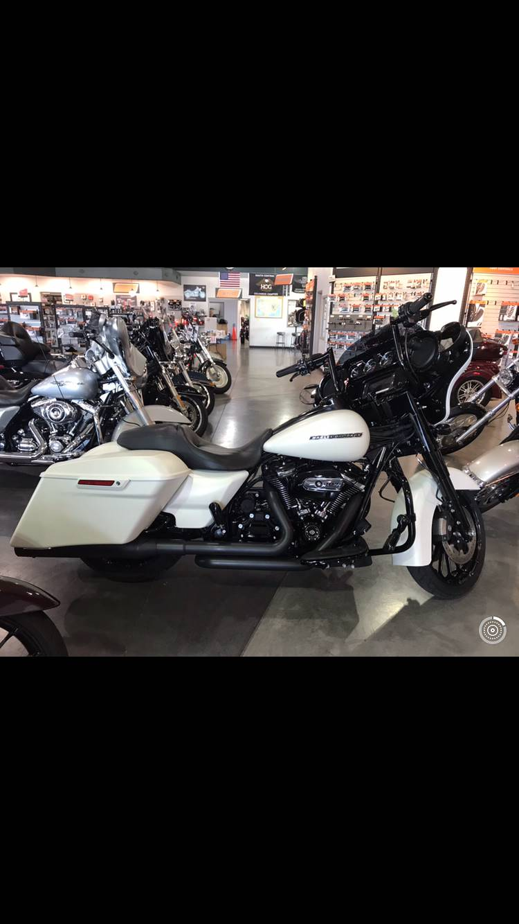 2018 Harley-Davidson Street Glide® Special in Edinburgh, Indiana - Photo 3