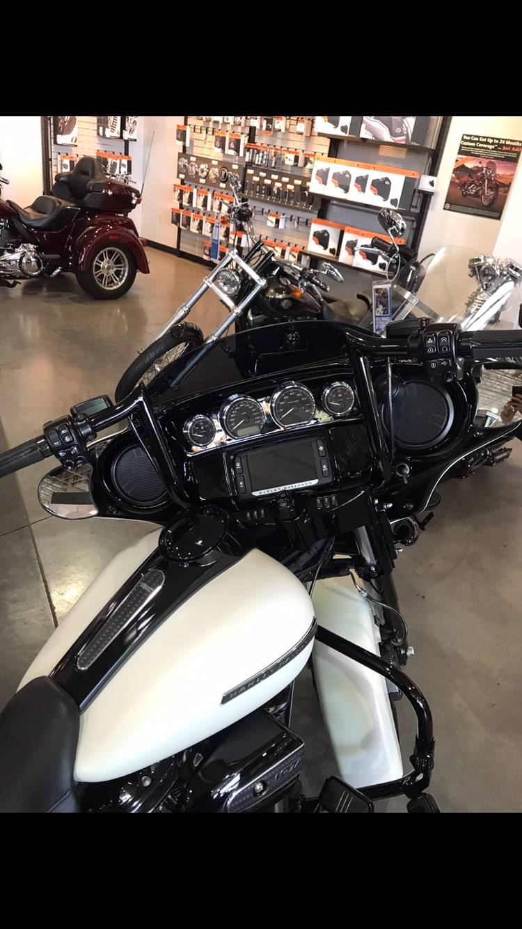 2018 Harley-Davidson Street Glide® Special in Edinburgh, Indiana - Photo 5