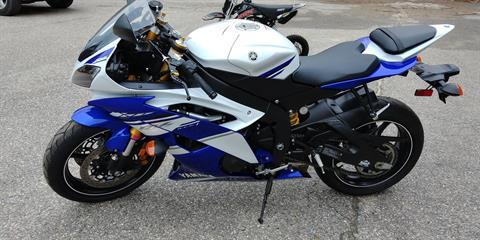 2014 Yamaha YZF-R6 in Tamworth, New Hampshire