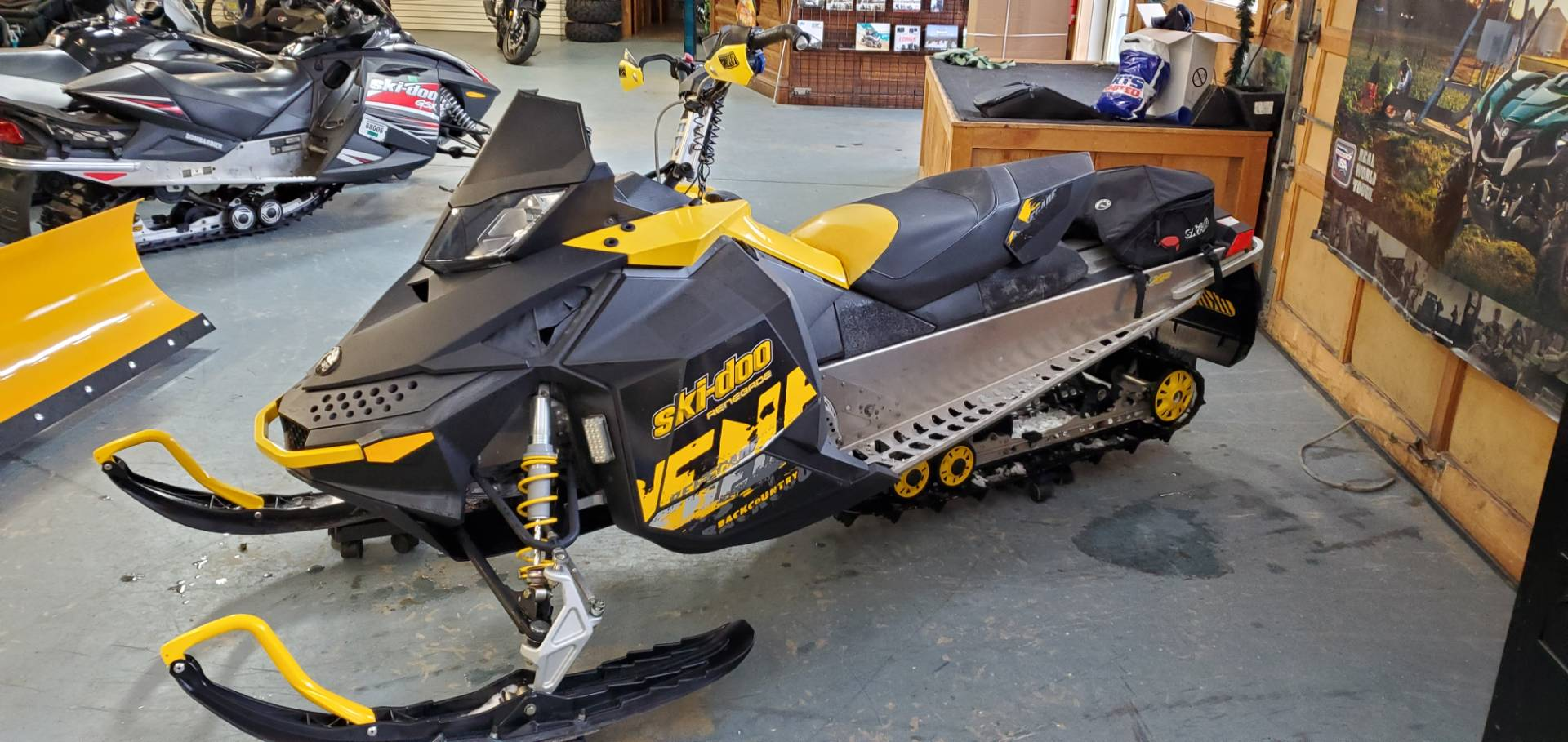 2010 Ski-Doo Renegade® Backcountry™ 600 ES in Tamworth, New Hampshire - Photo 2