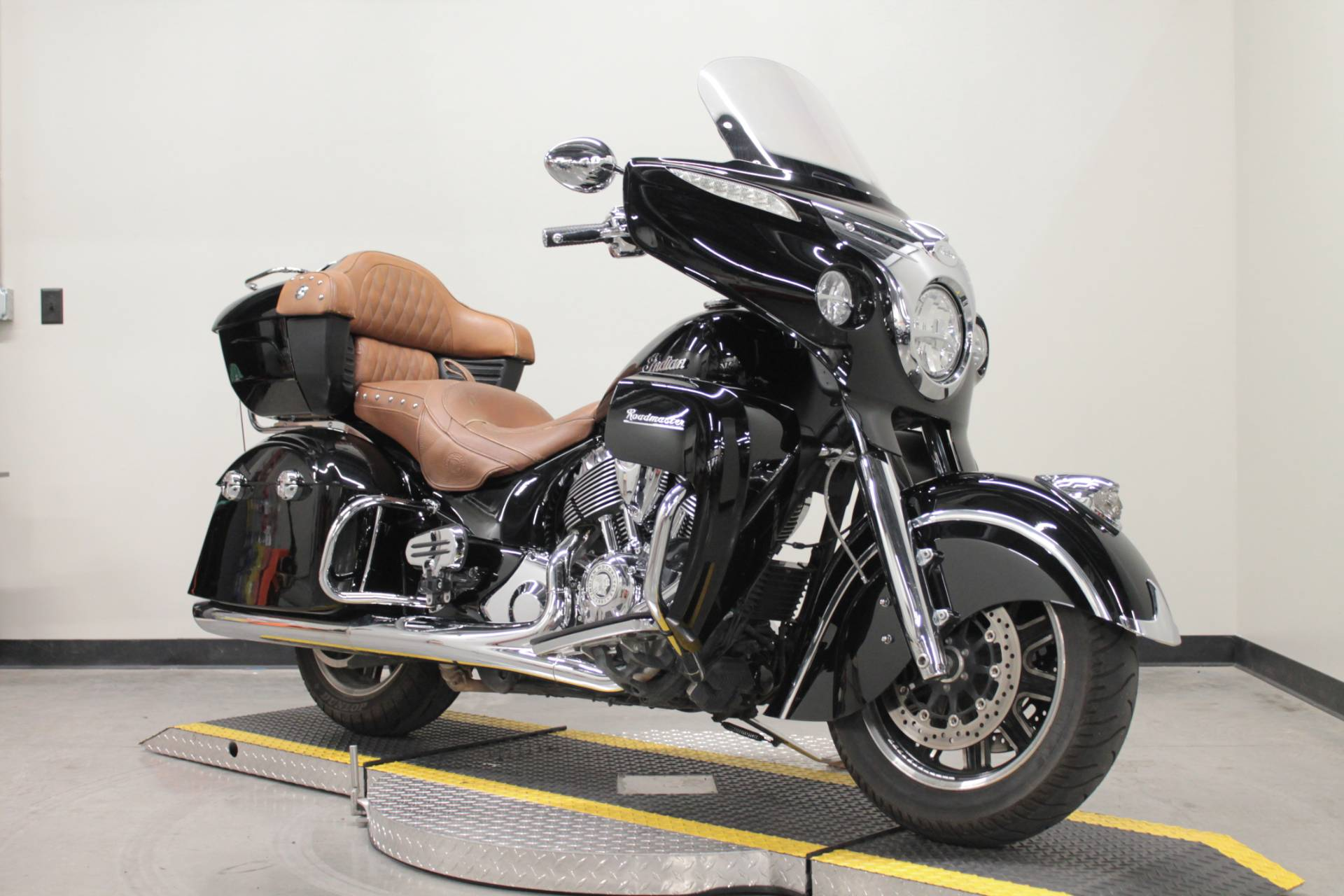 2015 Indian Roadmaster™ in Fort Worth, Texas - Photo 3