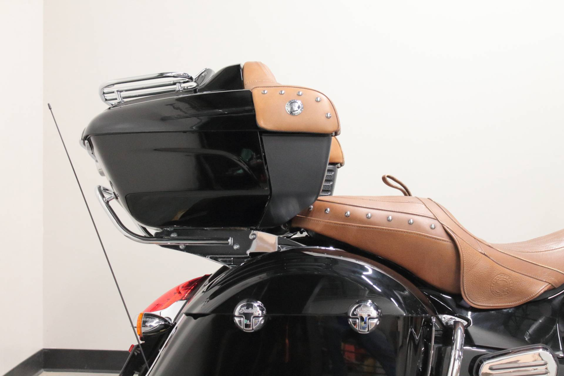 2015 Indian Roadmaster™ in Fort Worth, Texas - Photo 14