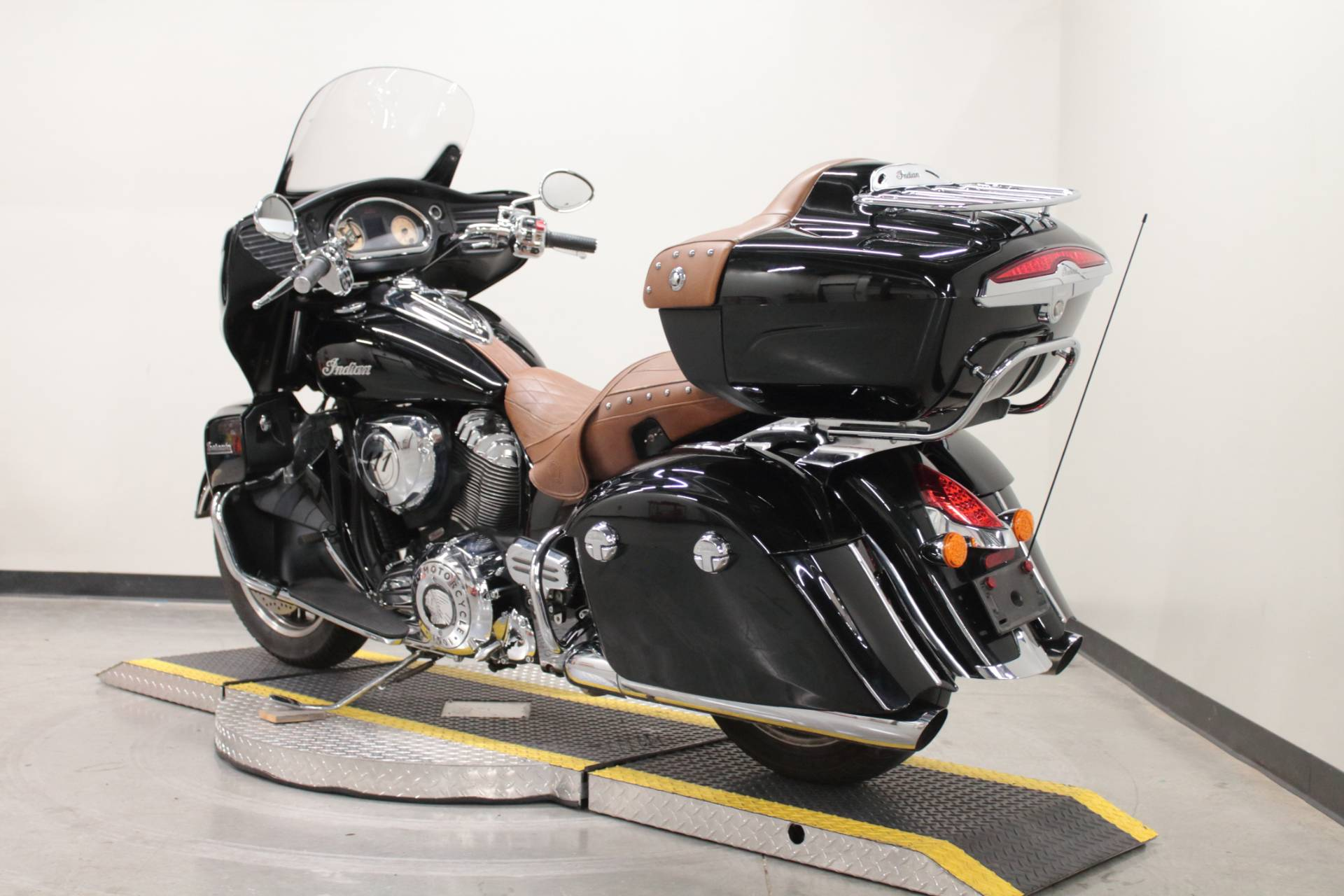 2015 Indian Roadmaster™ in Fort Worth, Texas - Photo 5