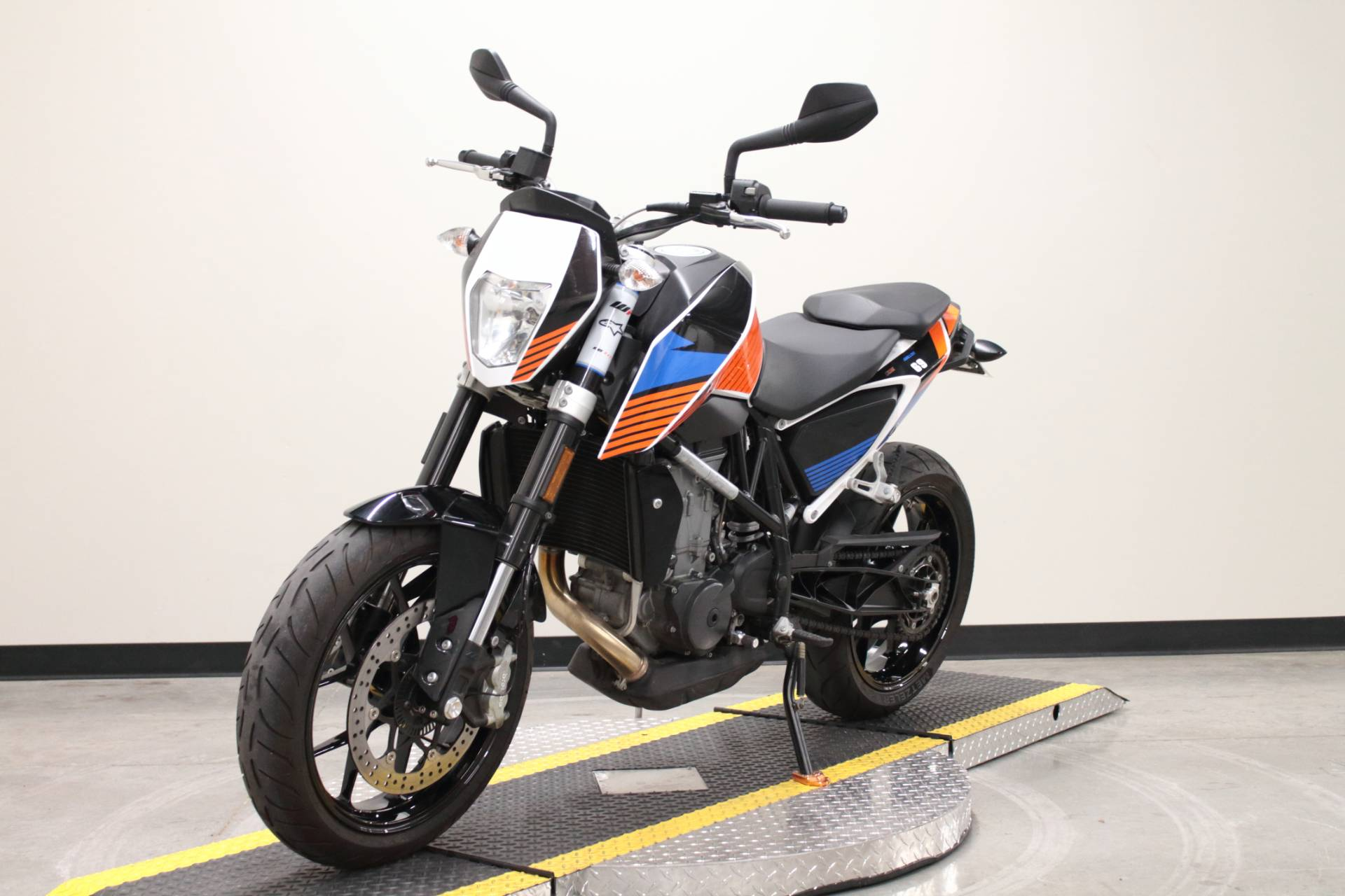 2018 KTM 690 Duke in Fort Worth, Texas - Photo 9