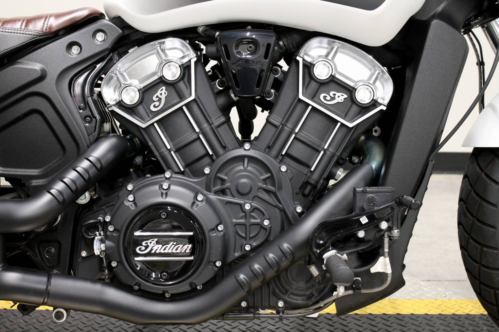 2019 Indian Scout® Bobber ABS in Fort Worth, Texas - Photo 13