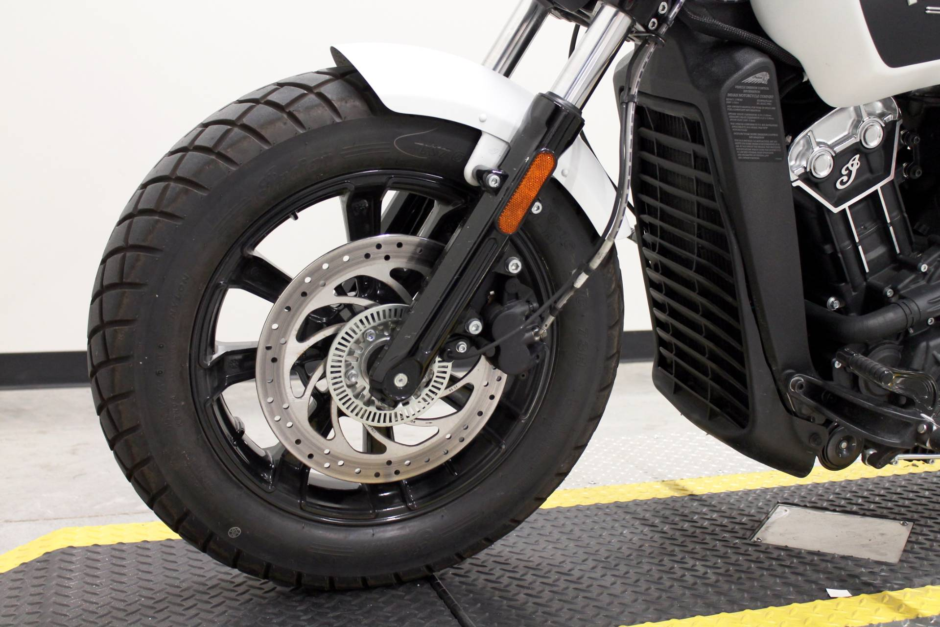 2019 Indian Scout® Bobber ABS in Fort Worth, Texas - Photo 25
