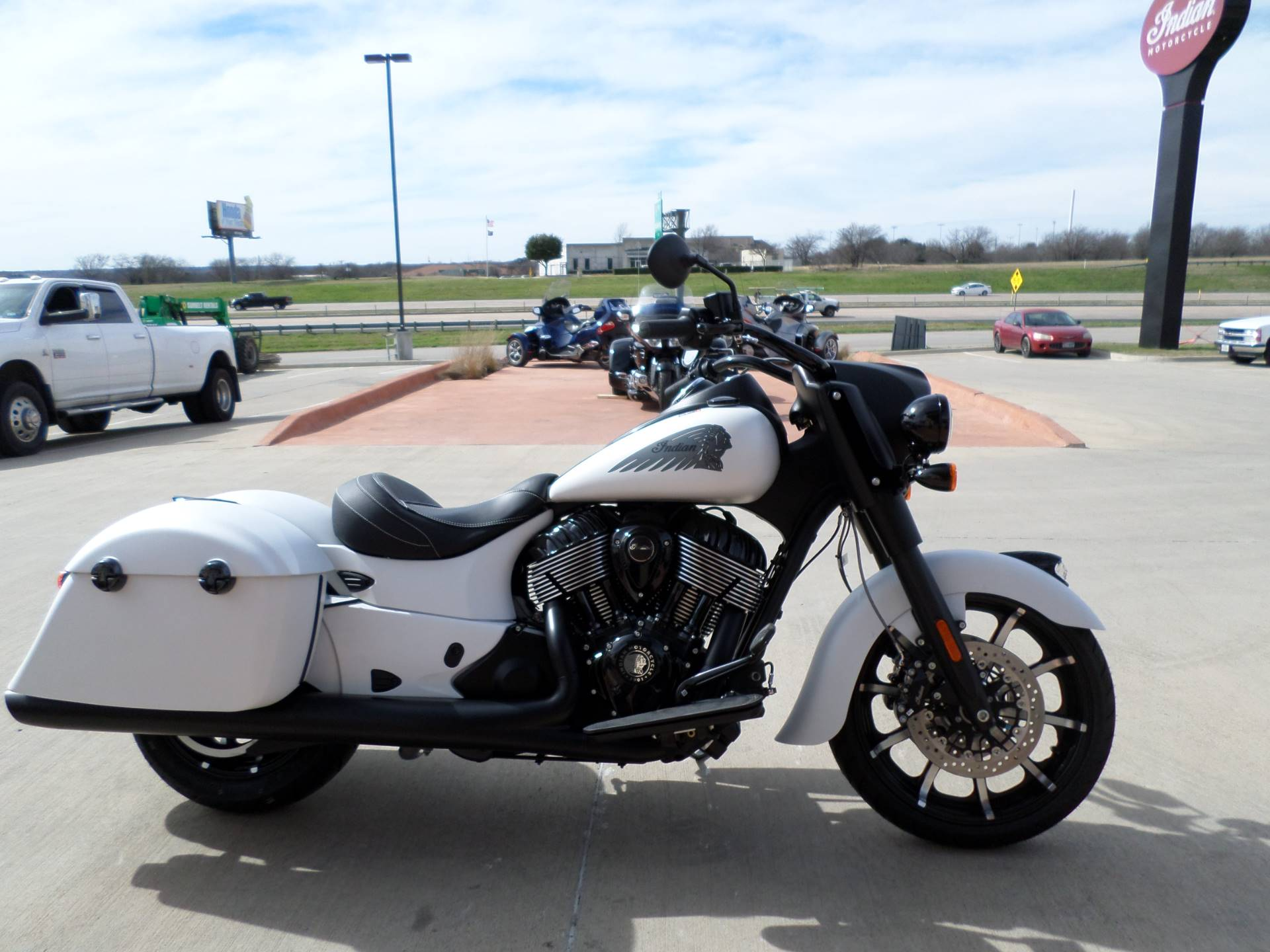 2019 Indian Springfield® Dark Horse® ABS in Fort Worth, Texas - Photo 2