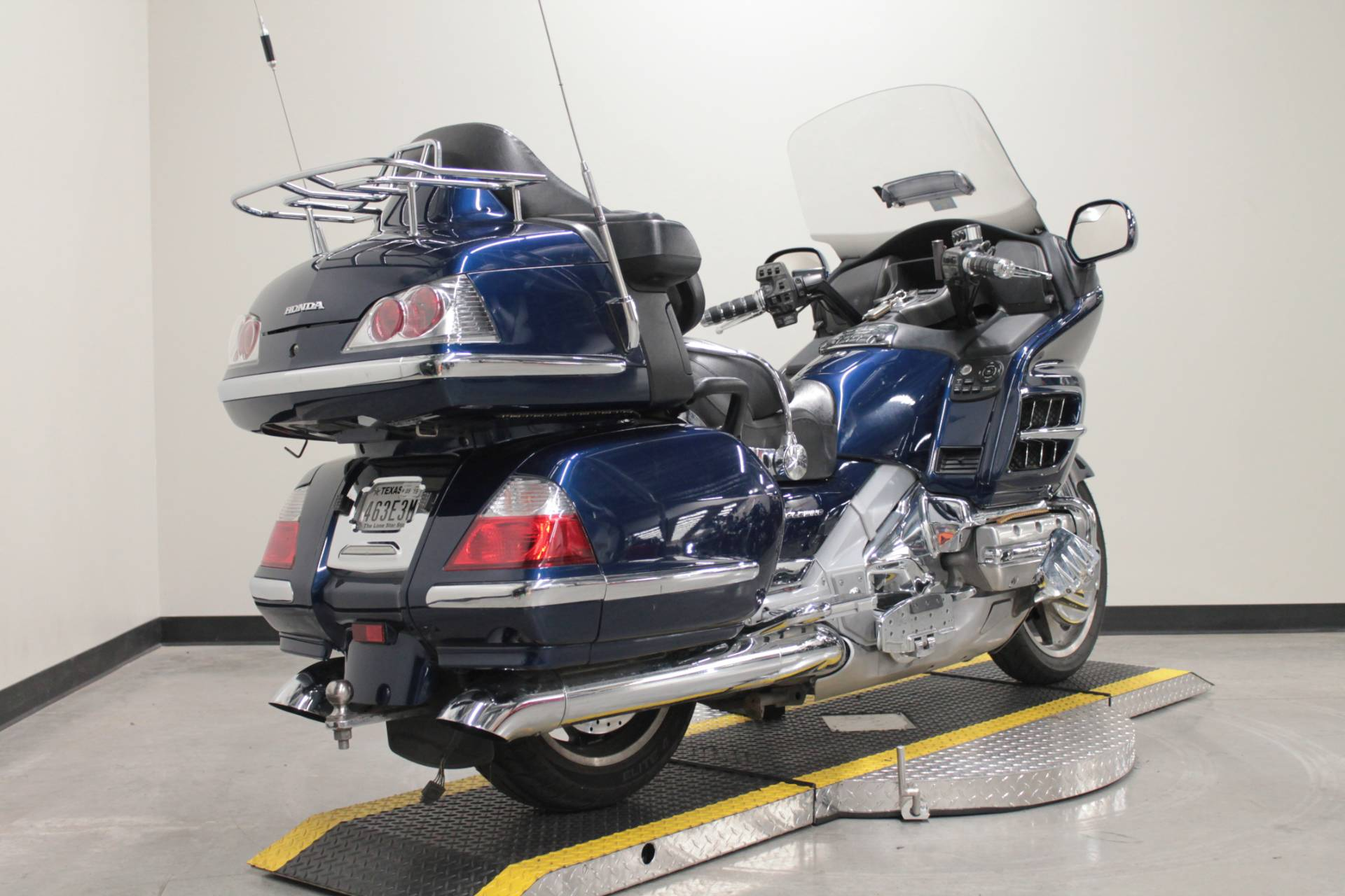 2007 Honda Gold Wing® Audio / Comfort / Navi in Fort Worth, Texas - Photo 2