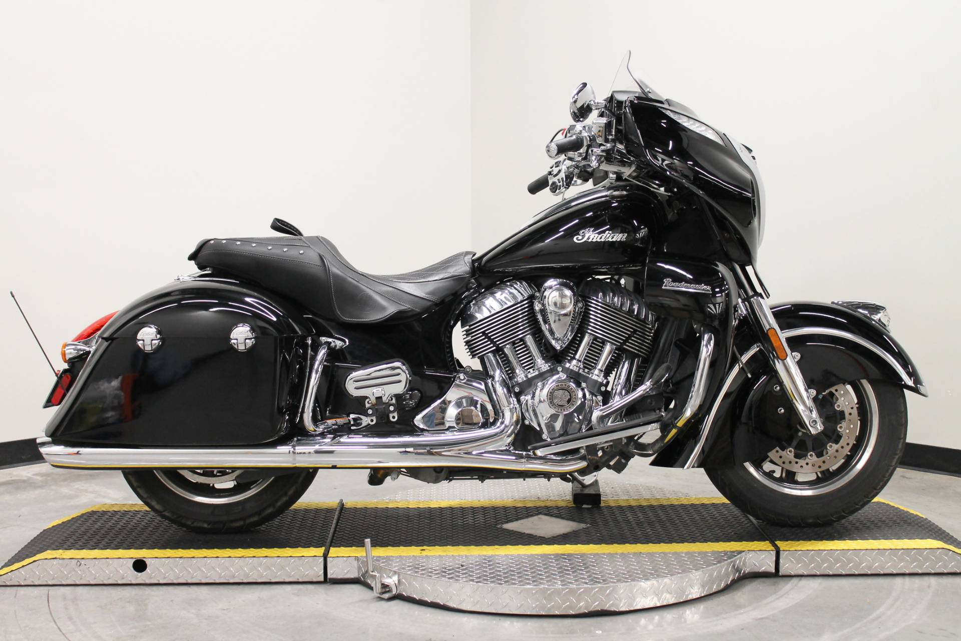 2017 Indian Roadmaster® in Fort Worth, Texas - Photo 1
