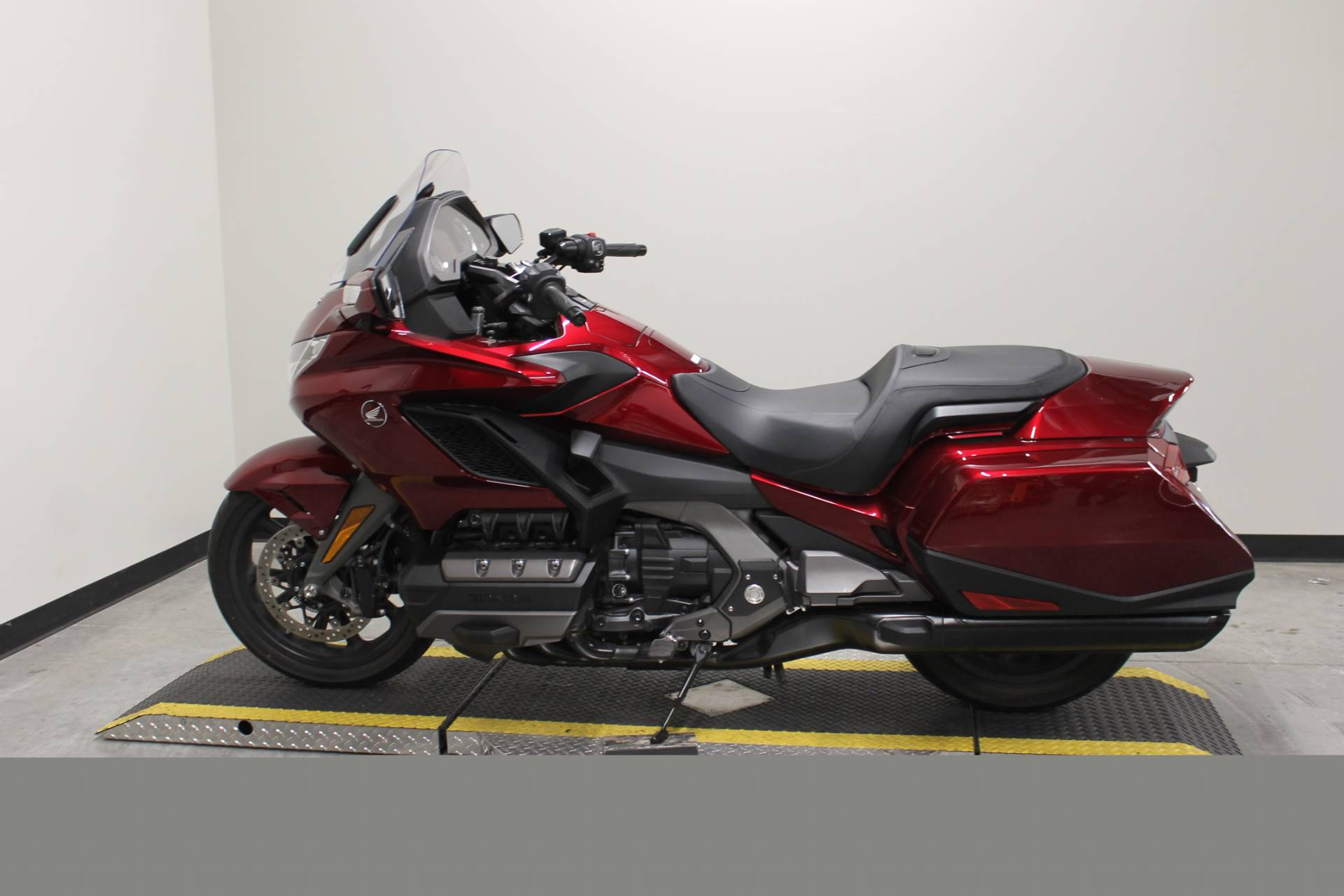 2018 Honda Gold Wing DCT in Fort Worth, Texas - Photo 12