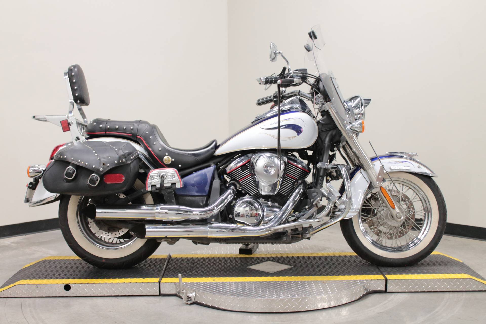 2013 Kawasaki Vulcan® 900 Classic LT in Fort Worth, Texas - Photo 1