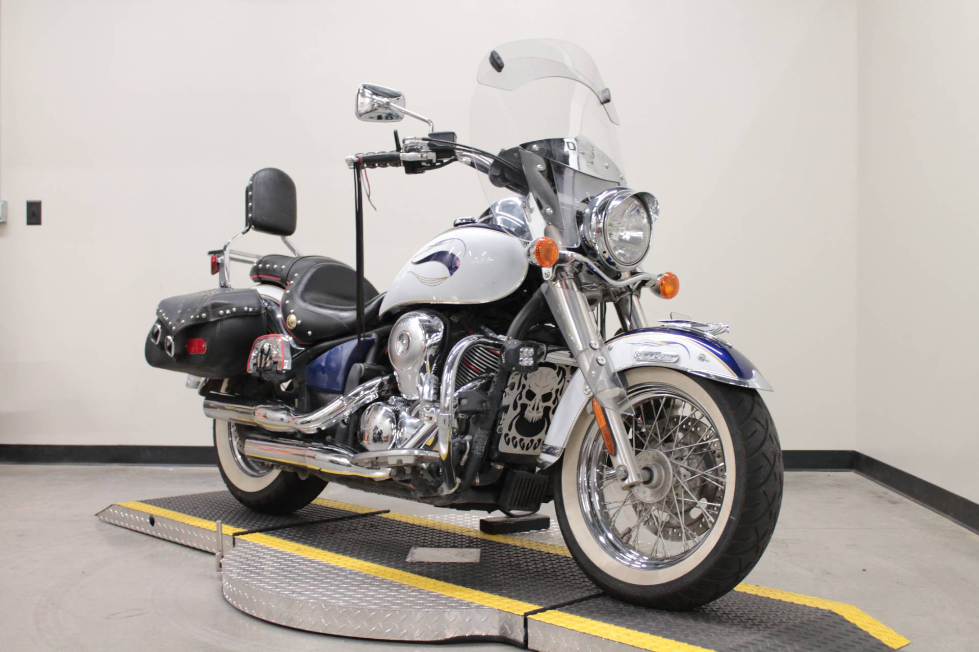 2013 Kawasaki Vulcan® 900 Classic LT in Fort Worth, Texas - Photo 3