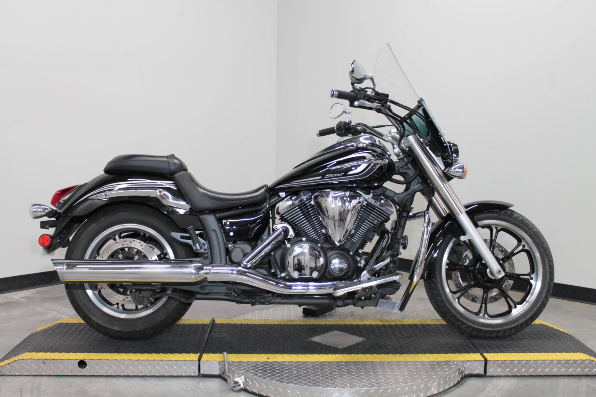2015 Yamaha V Star 950 in Fort Worth, Texas - Photo 1