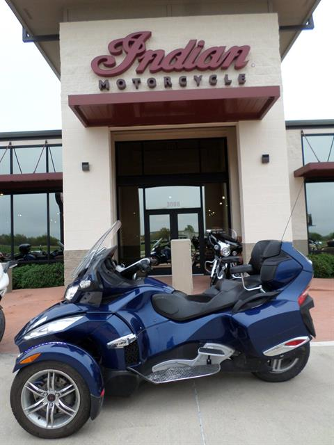 2011 Can-Am Spyder® RT SM5 in Fort Worth, Texas