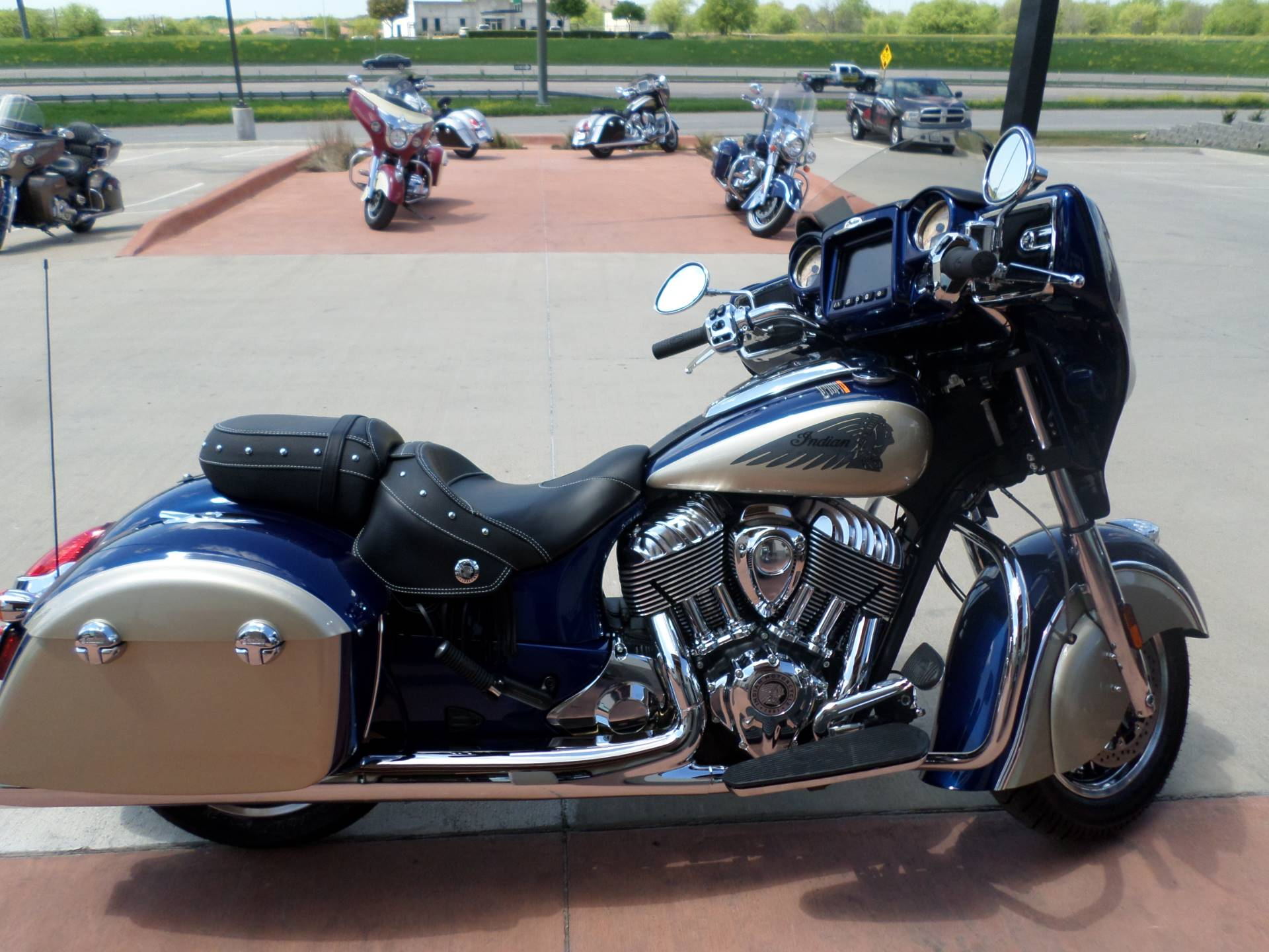 2019 Indian Chieftain® Classic ABS in Fort Worth, Texas - Photo 3