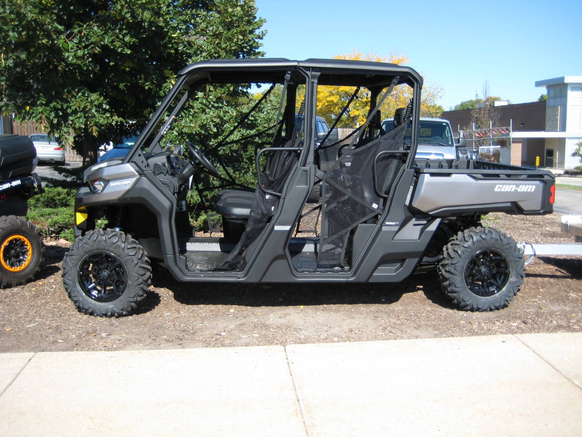 2017 Can-Am Defender MAX XT HD10 in Brookfield, Wisconsin