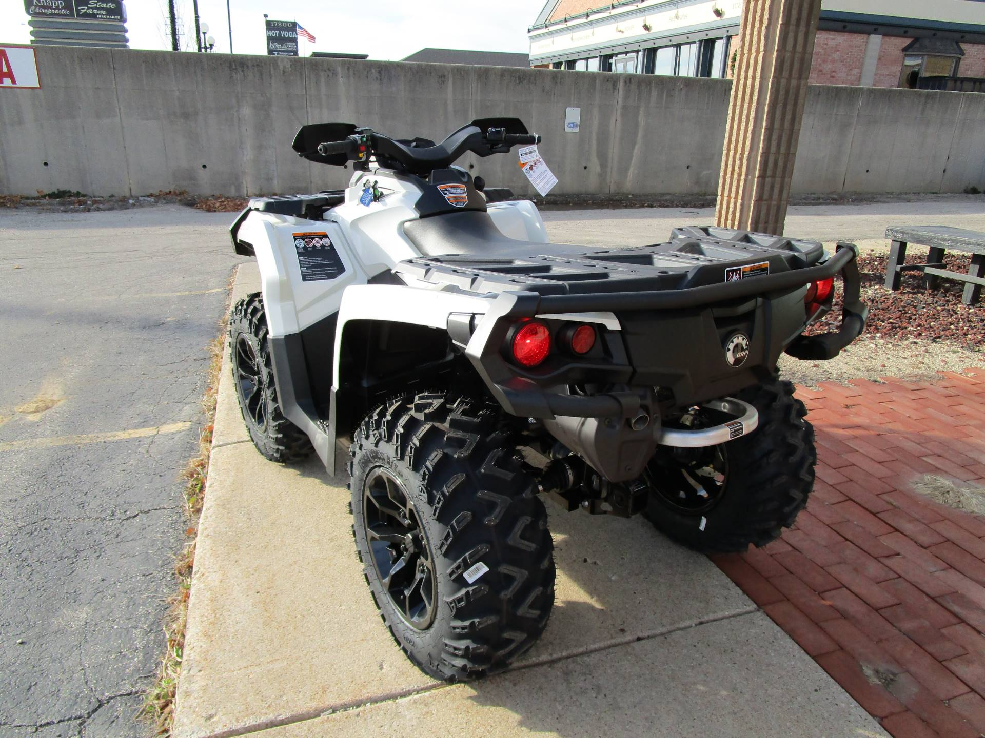 2017 Can-Am Outlander XT 650 in Brookfield, Wisconsin