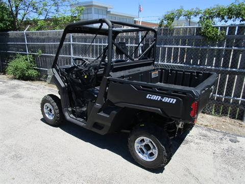 2017 Can-Am Defender DPS HD5 in Brookfield, Wisconsin