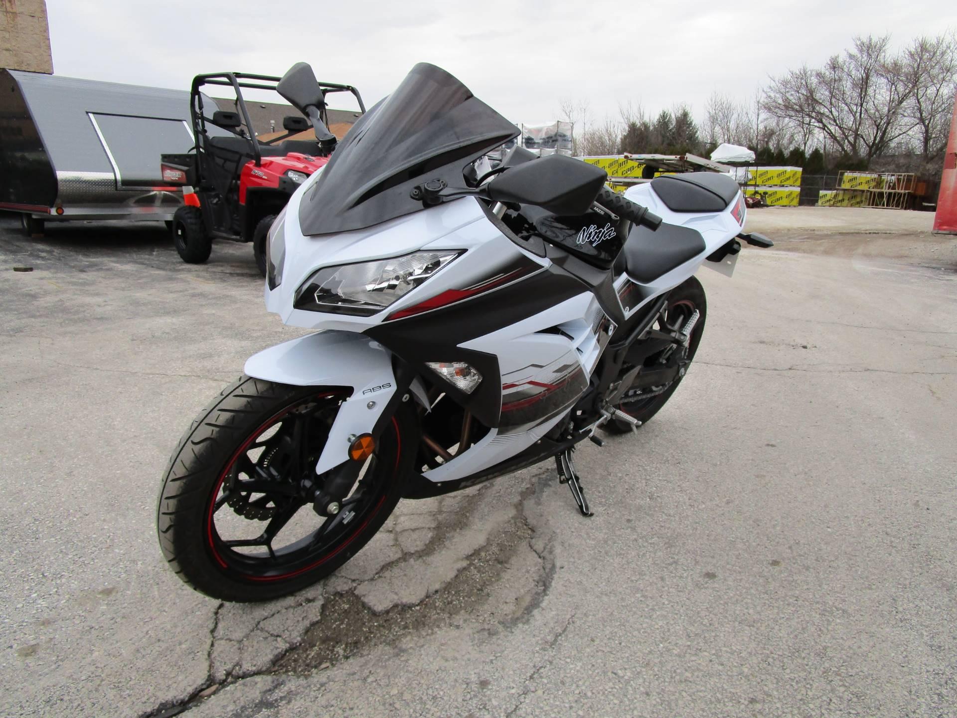2014 Kawasaki Ninja® 300 ABS SE in Brookfield, Wisconsin
