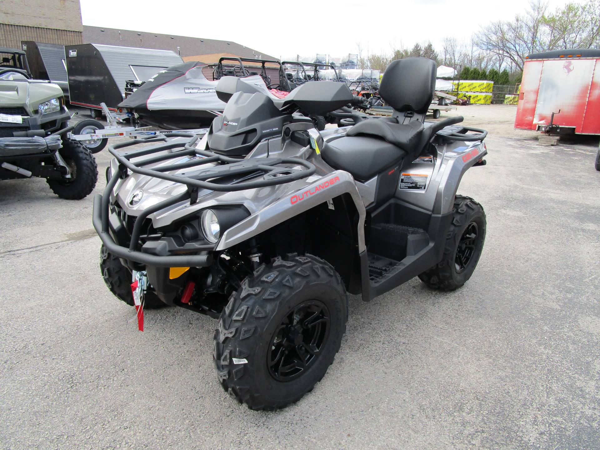 2017 Can-Am Outlander MAX XT 570 in Brookfield, Wisconsin