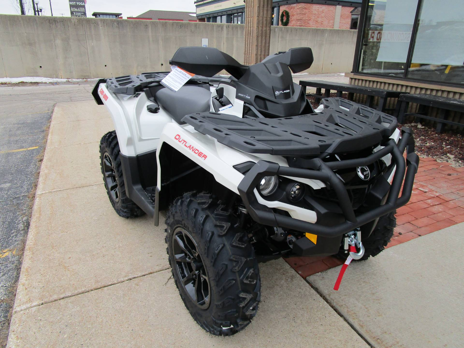 2017 Can-Am Outlander XT 850 in Brookfield, Wisconsin