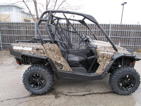 2017 Can-Am Commander XT 800R in Brookfield, Wisconsin