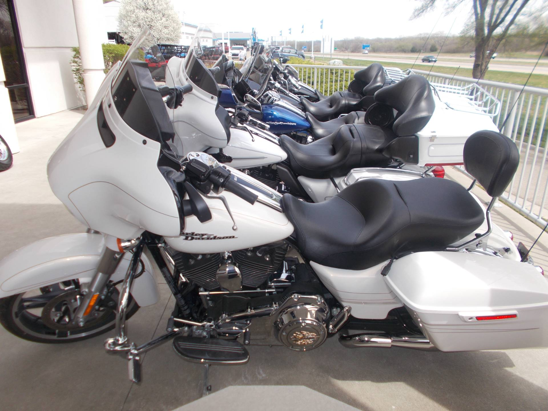 2015 Harley-Davidson STREETGLIDE SPECIAL in Junction City, Kansas - Photo 3