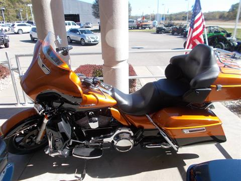 2016 Harley-Davidson LIMITED LOW in Junction City, Kansas