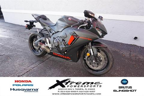 2017 Honda CBR1000RR ABS in Tampa, Florida - Photo 8