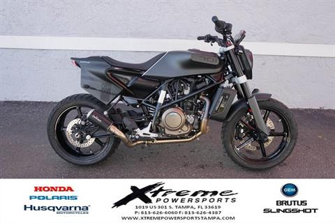 2019 Husqvarna SVARTPILEN 701 in Tampa, Florida - Photo 6
