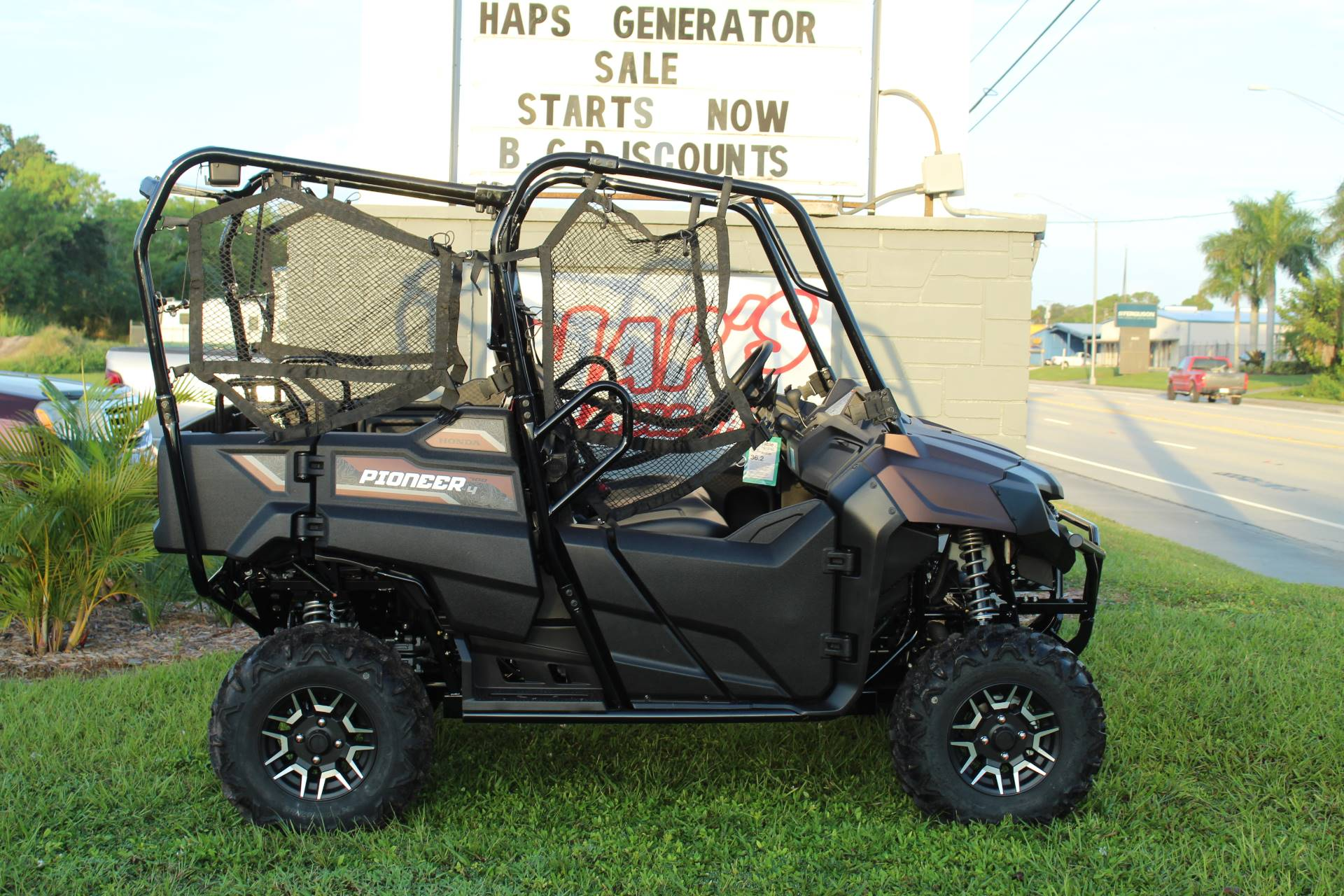 2021 Honda Pioneer 700-4 Deluxe in Sarasota, Florida - Photo 3