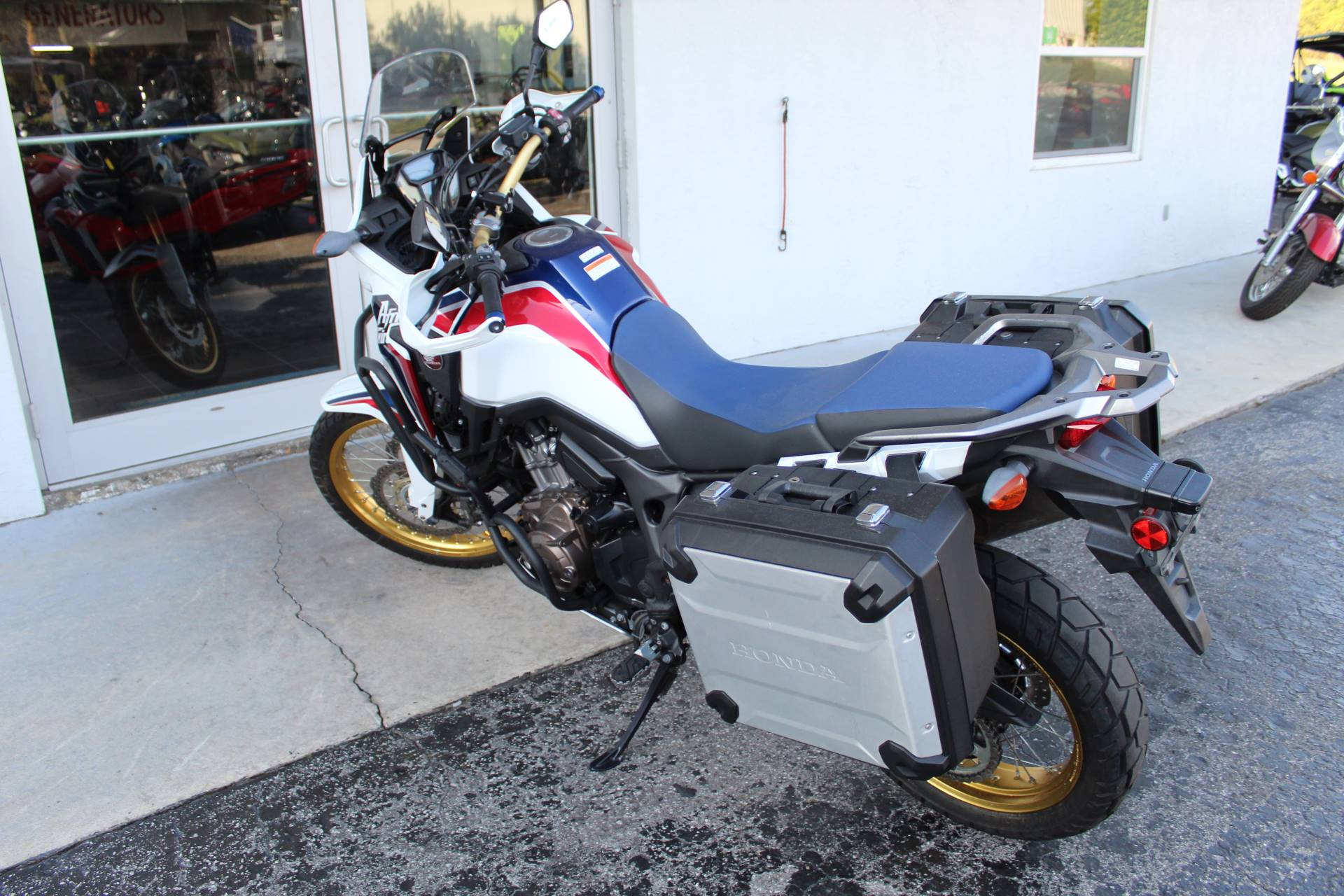 2017 Honda Africa Twin DCT in Sarasota, Florida - Photo 5