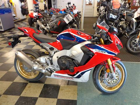 2018 Honda CBR1000RR SP in Sarasota, Florida