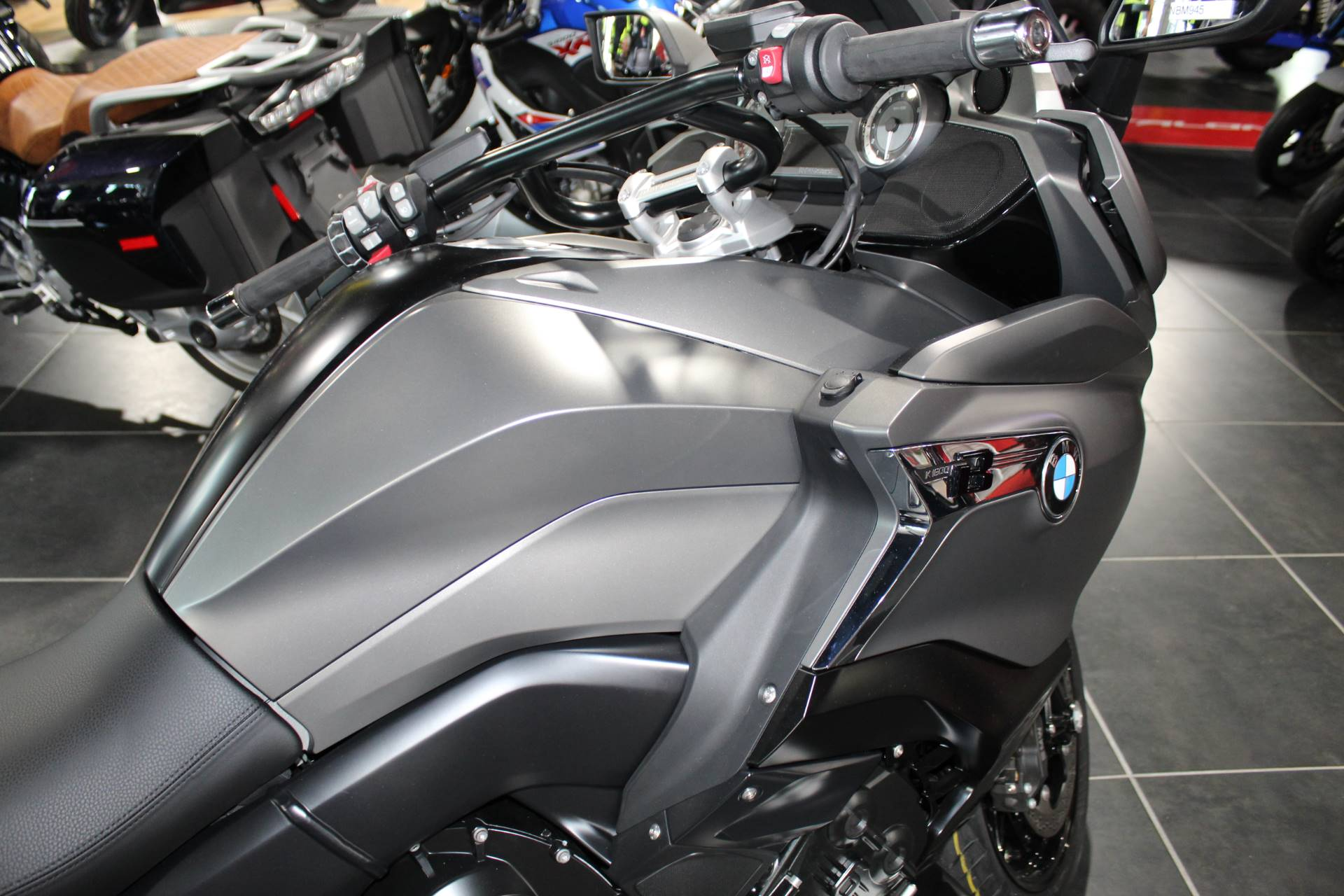 2019 BMW K 1600 B Special Edition in Sarasota, Florida - Photo 7
