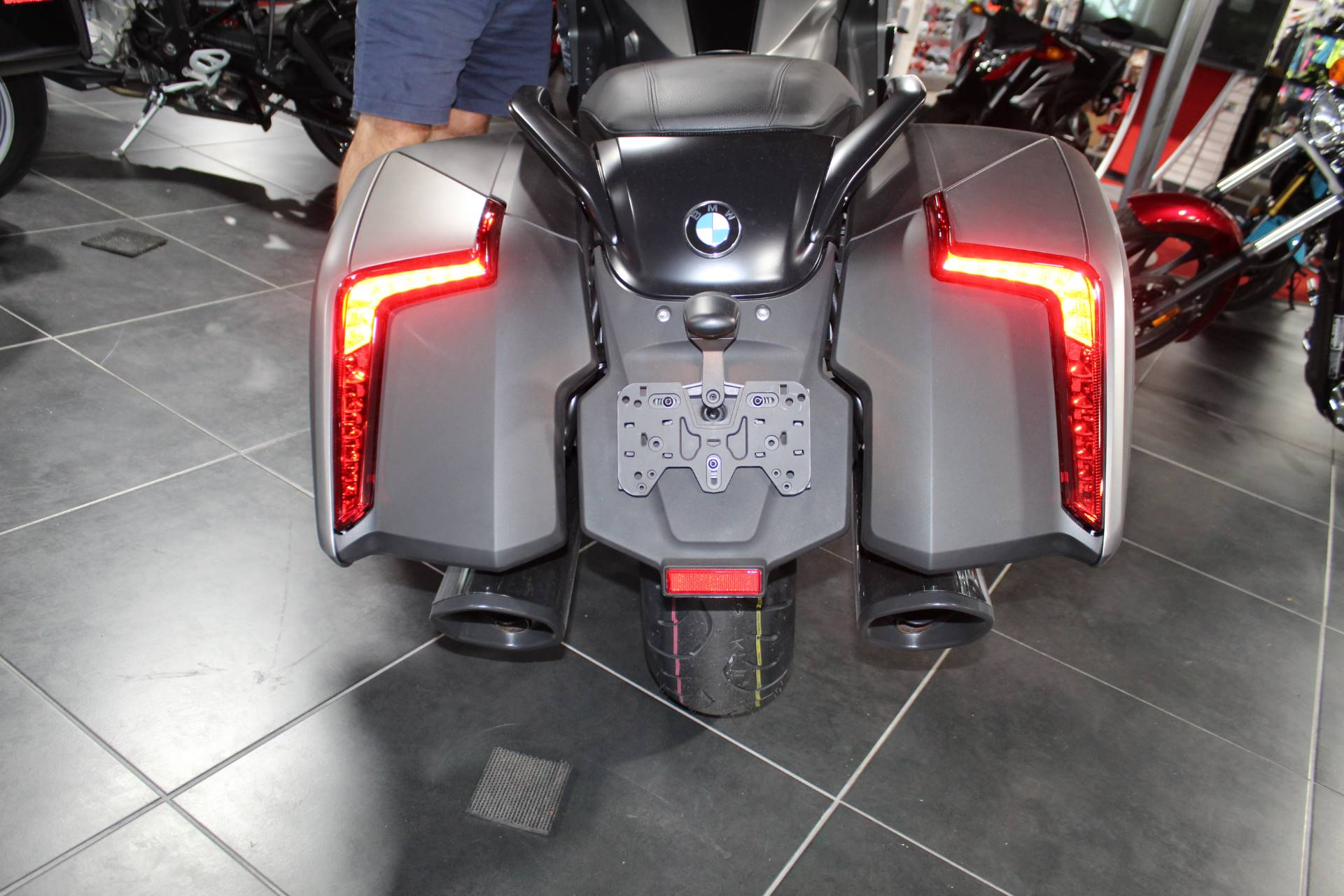 2019 BMW K 1600 B Special Edition in Sarasota, Florida - Photo 8