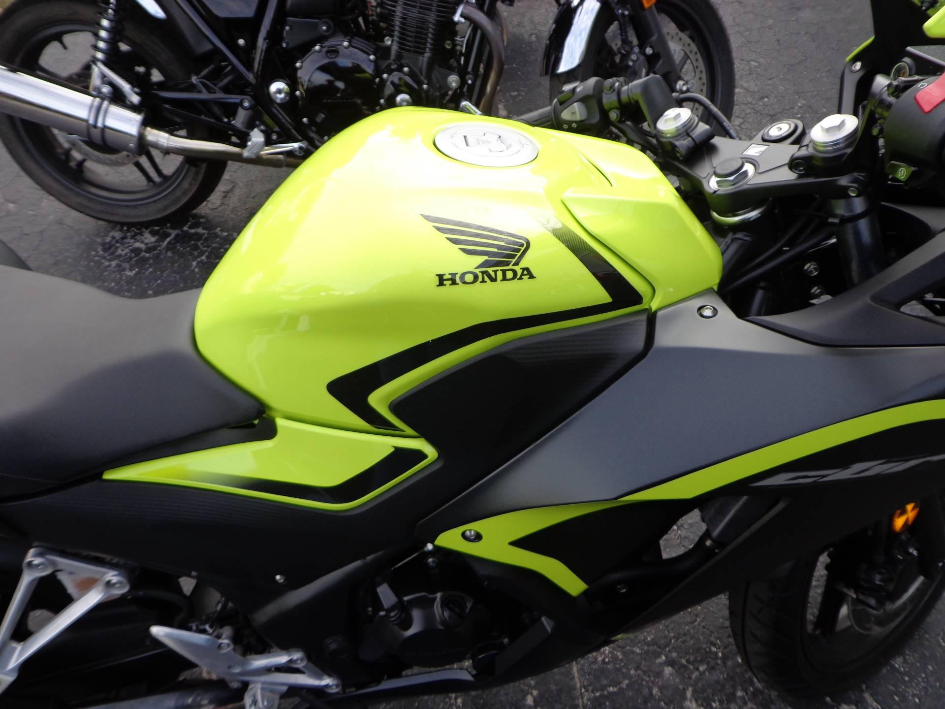 2016 Honda CBR300R 6