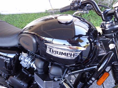 2016 Triumph Bonneville T100 Black in Sarasota, Florida