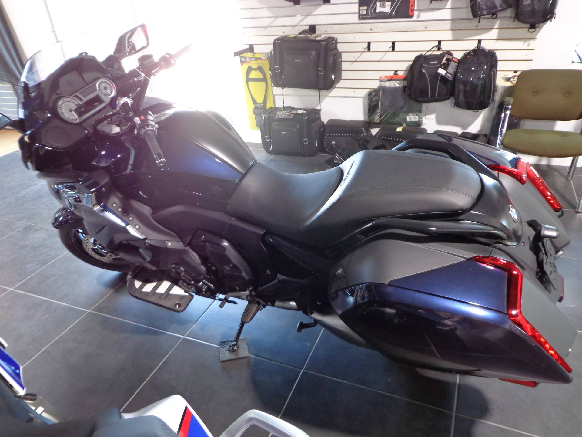 2019 BMW K 1600 B in Sarasota, Florida - Photo 4