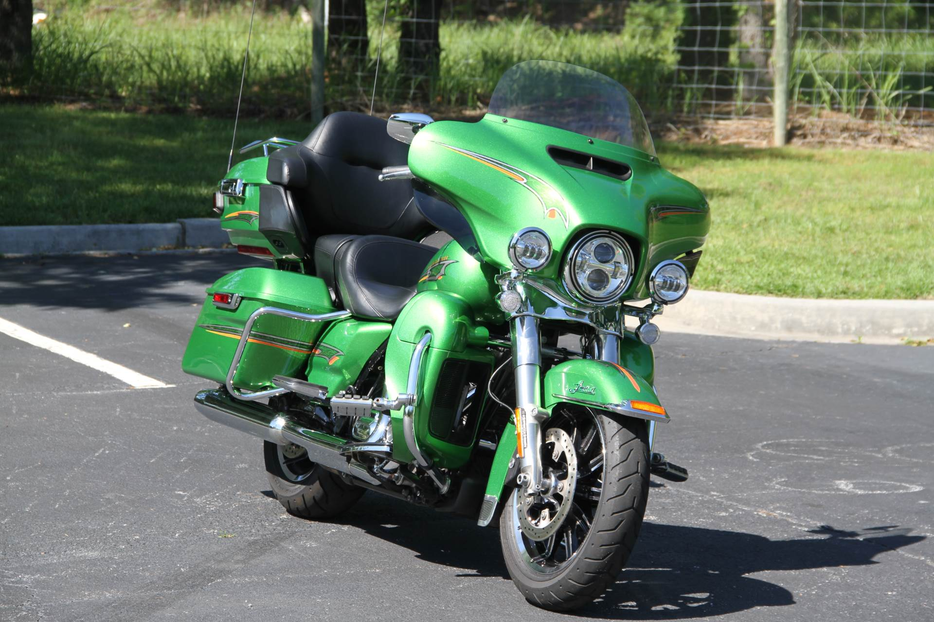 2015 Harley-Davidson Ultra Limited in Hendersonville, North Carolina