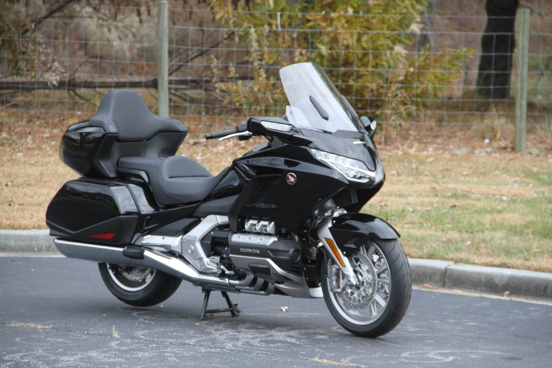 2019 Honda Gold Wing Tour in Hendersonville, North Carolina - Photo 7