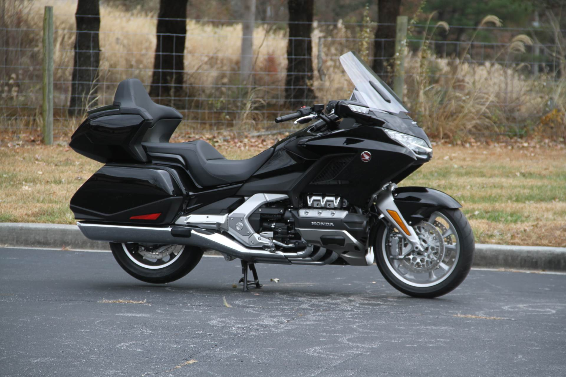 2019 Honda Gold Wing Tour in Hendersonville, North Carolina - Photo 10