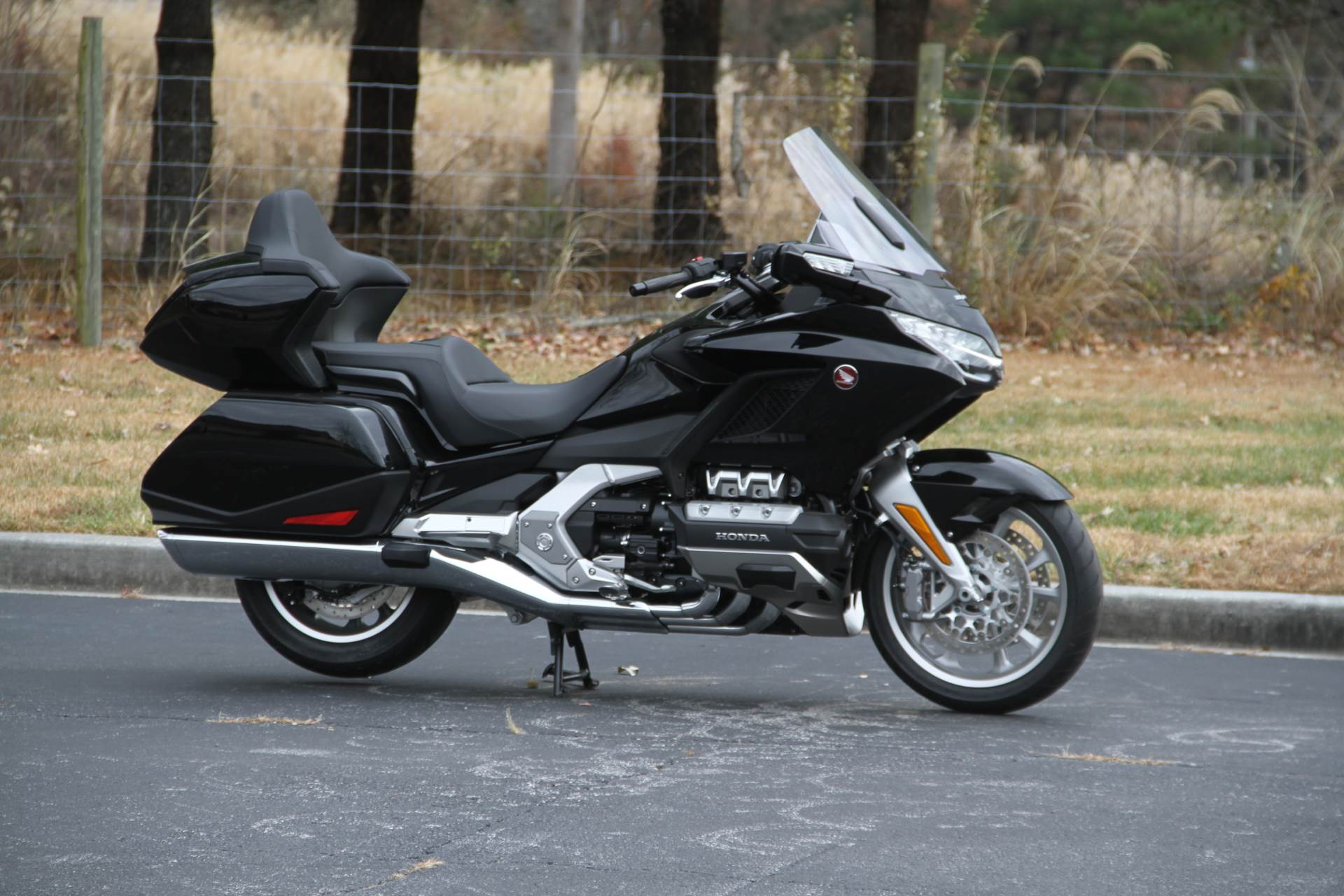 2019 Honda Gold Wing Tour in Hendersonville, North Carolina - Photo 2