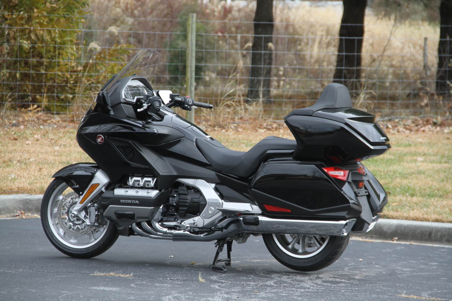 2019 Honda Gold Wing Tour in Hendersonville, North Carolina - Photo 24