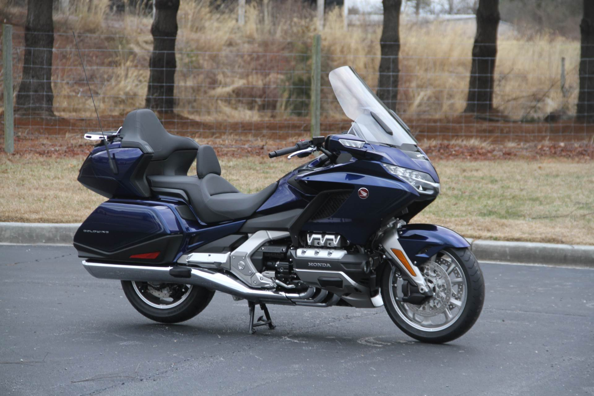2018 Honda Gold Wing Tour Automatic DCT in Hendersonville, North Carolina - Photo 8