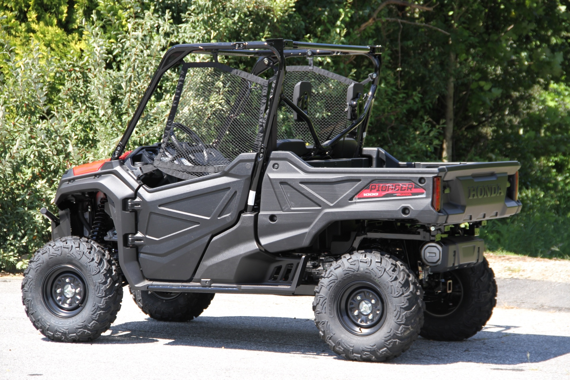 2016 Honda Pioneer 1000 in Hendersonville, North Carolina