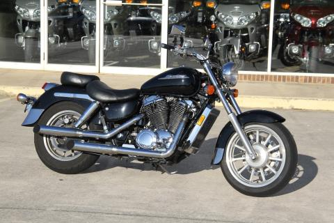 2000 Honda Shadow Ace Tourer in Hendersonville, North Carolina