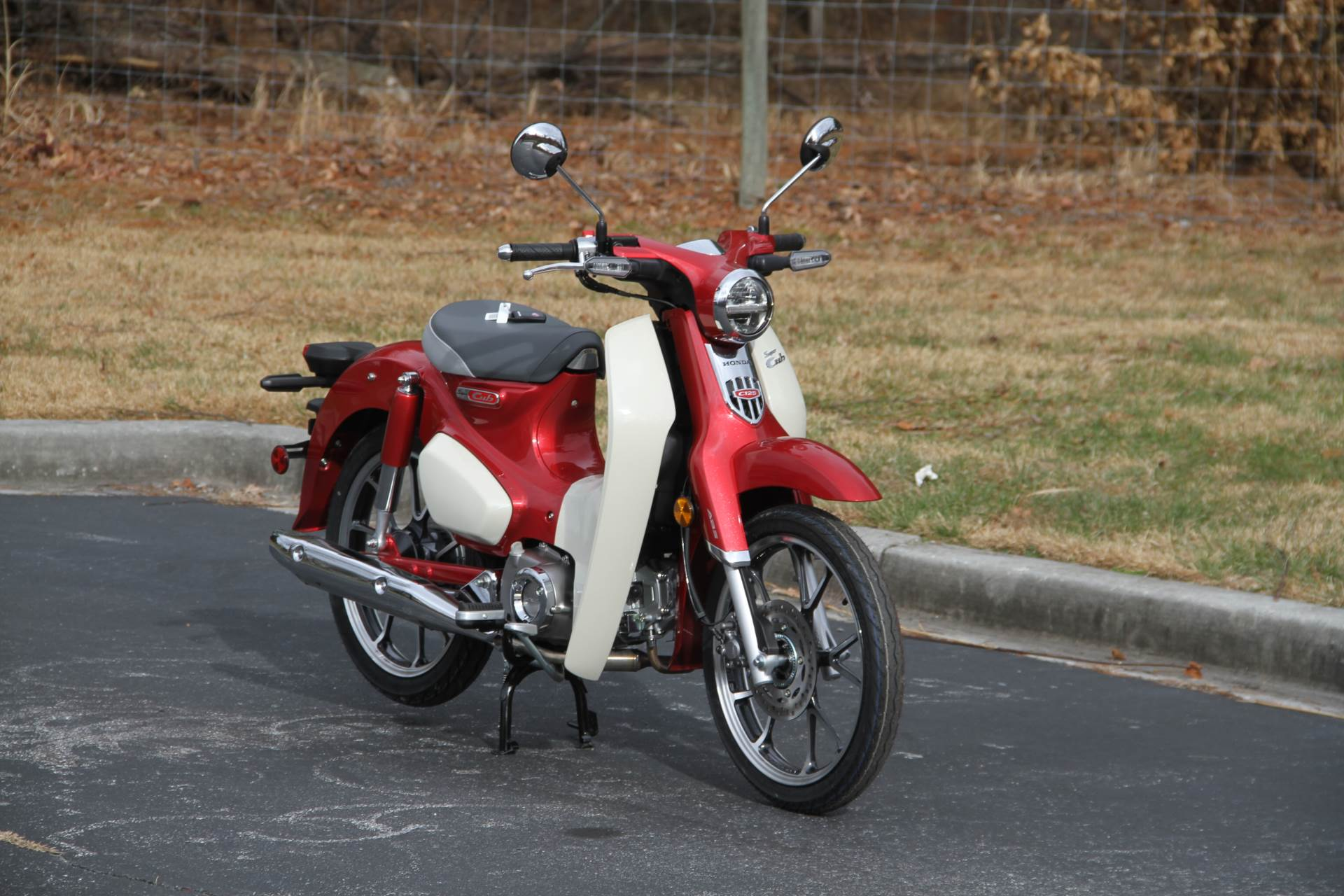 2020 Honda Super Cub C125 ABS in Hendersonville, North Carolina - Photo 4
