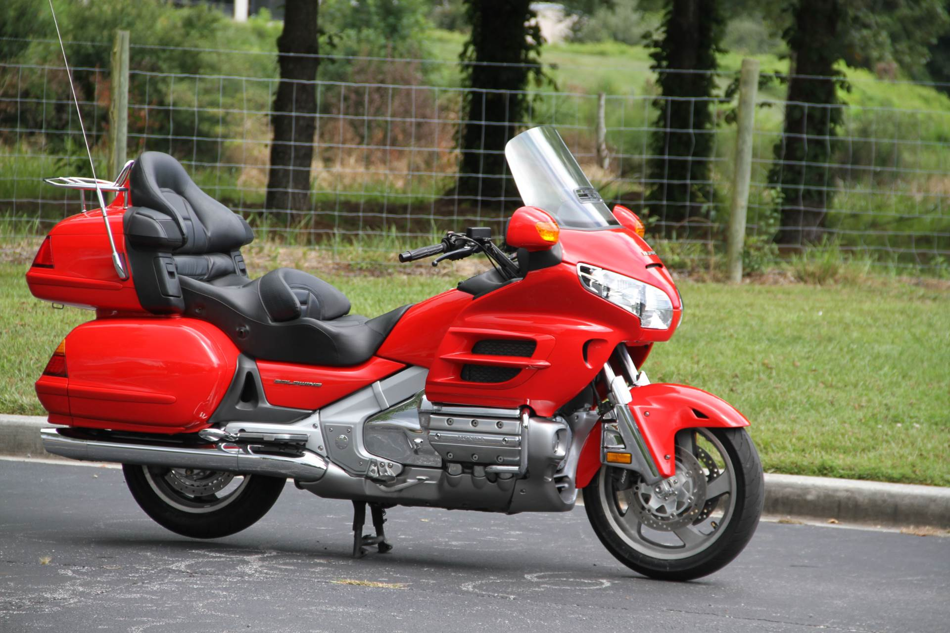 2004 Honda Gold Wing in Hendersonville, North Carolina - Photo 6